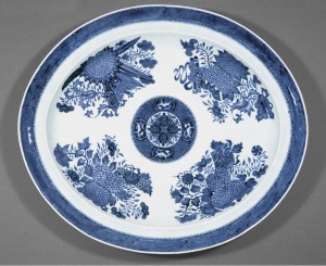 Blue Fitzhugh large dish, Chinese export porcelain