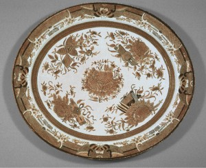 Brown Fitzhugh large dish, Chinese export porcelain